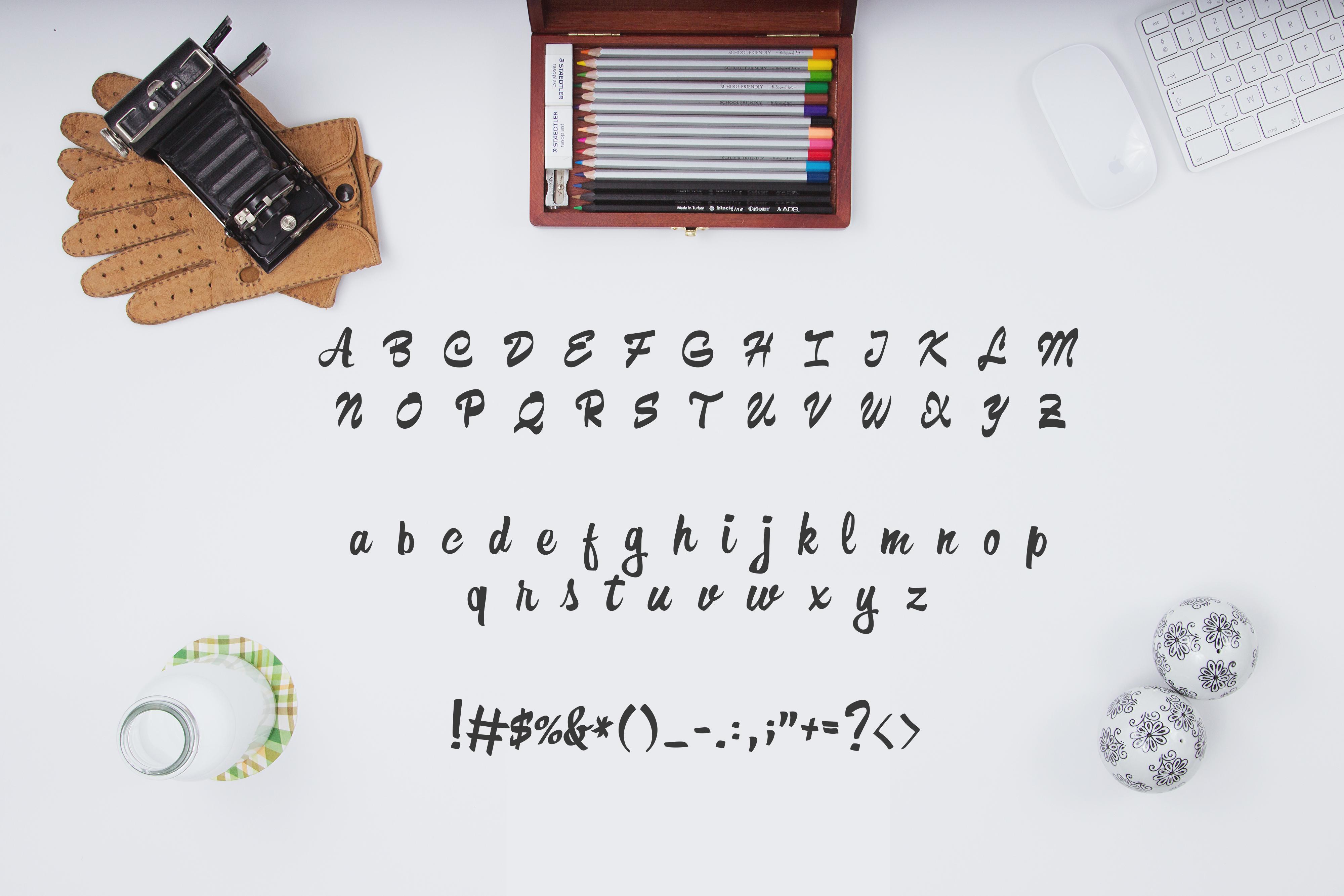 Formia-Script-Free-Font-prev05